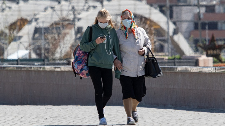 Власти назвали лидеров и аутсайдеров по распространению коронавируса в Челябинской области