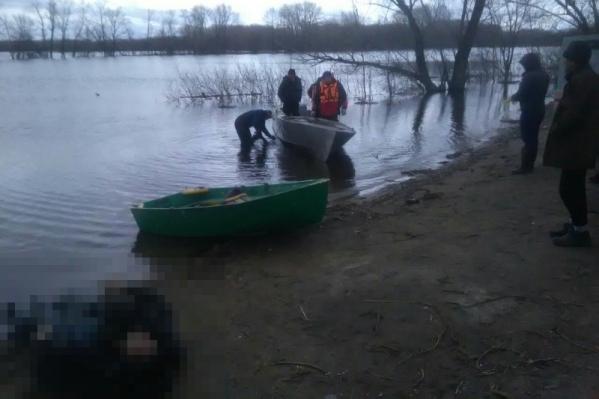 Мужчин нашли на глубине 3 метра