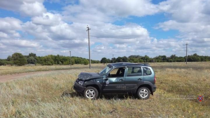 На ровном месте: в Волгоградской области опрокинулся подросток на внедорожнике