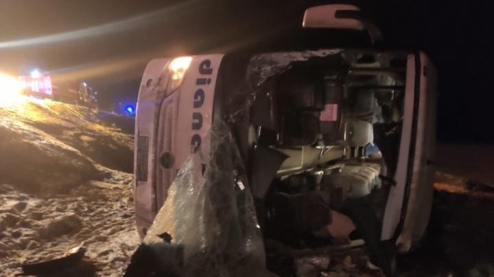 Пять детей и шесть взрослых: список пострадавших при крушении автобуса «Москва — Волгоград» под Рязанью