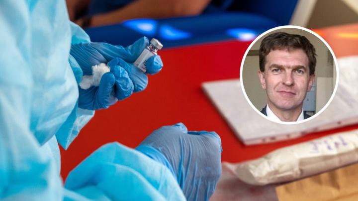 «Вакцину делали не полгода»: привившийся от COVID-19 нижегородский врач рассказал о последствиях