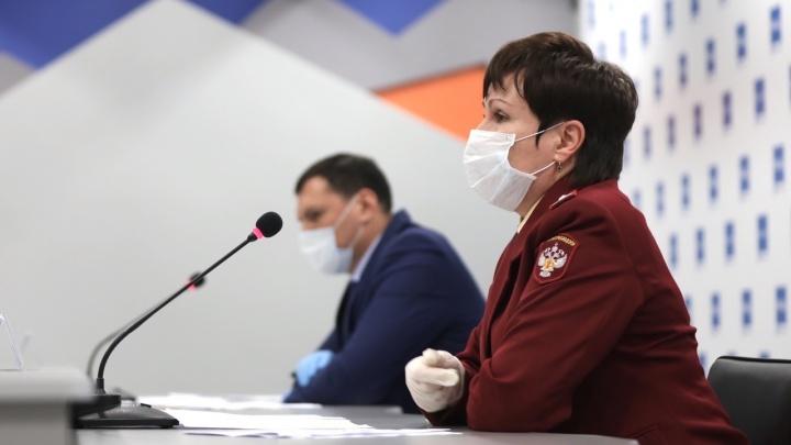 Болеет около 200 врачей, лекарства до сих пор нет: о чем говорили на брифинге по коронавирусу
