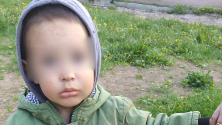 В Уфе мать бросила немого ребенка на детской площадке