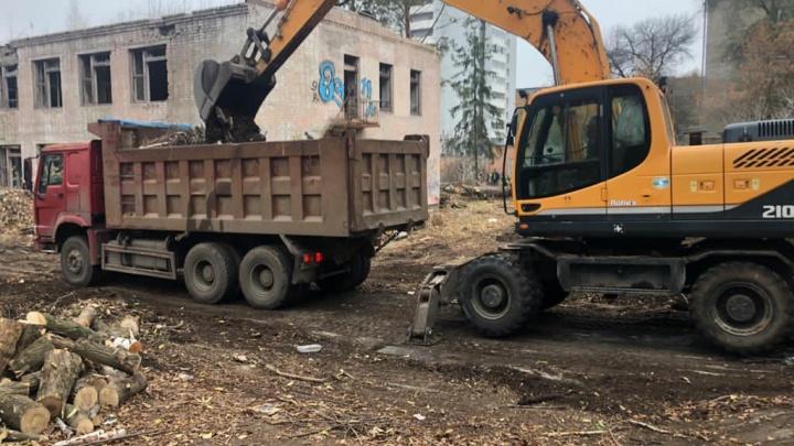В Самаре начался снос детского сада