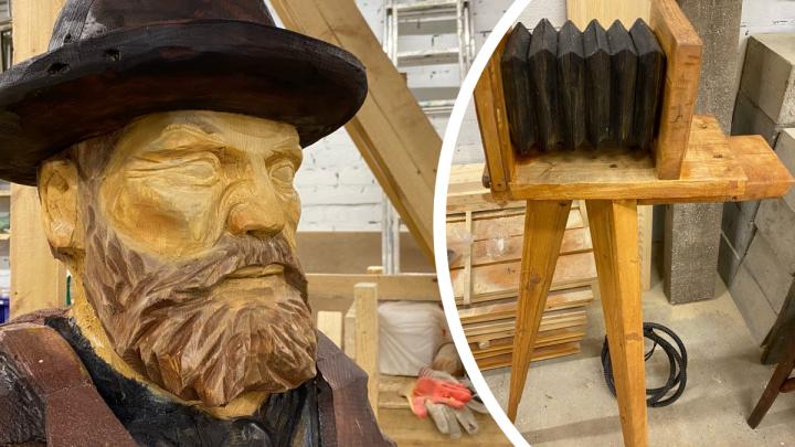 Яков Лейцингер и «деревянный инстаграм»: на набережной Архангельска появился новый арт-объект