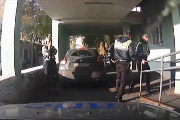 Автоинспекторы отправились к врачам БСМП-2