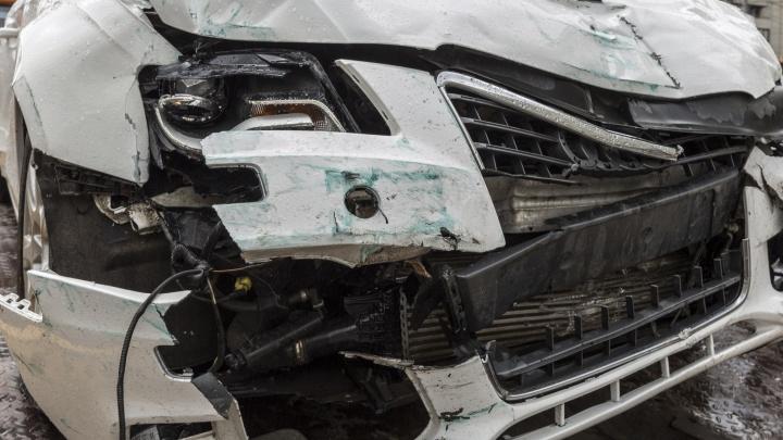 Лихач на ВАЗ-2104 устроил серию аварий в центре Волгограда