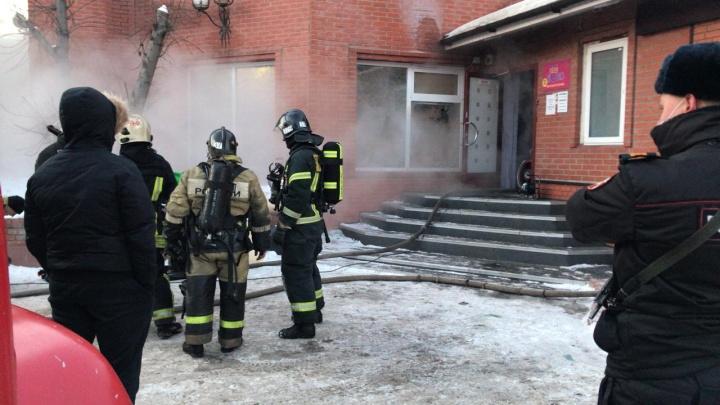 Пыталась спасти других: стали известны подробности пожара в новосибирской сауне, в котором погибла девушка