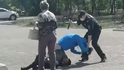 В Челябинской области полицейские избили мужчину после конфликта из-за маски