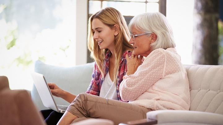 «Позаботьтесь о себе и о своих близких»: как избежать мошеннических атак и сохранить деньги на карте