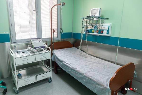 В коронавирусных отделениях освободились 15 мест — людей, которые их занимали, выписали