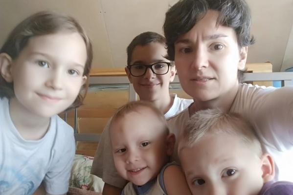 СК России по НСО организовал проверку по отключению электричества от дома многодетной семьи