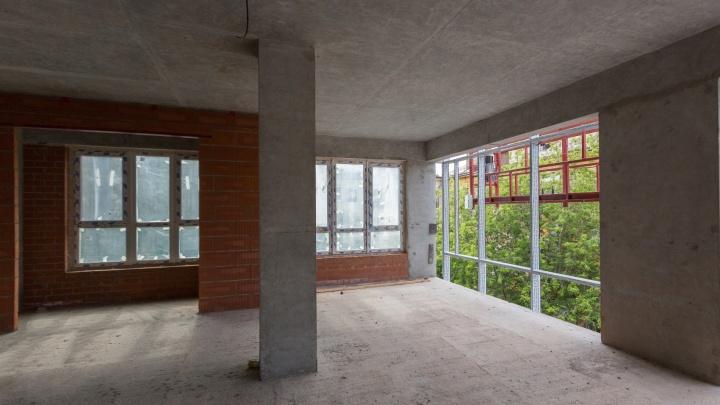 «Окно во всю стену и личный помощник»: в центре города построят дом особенного формата