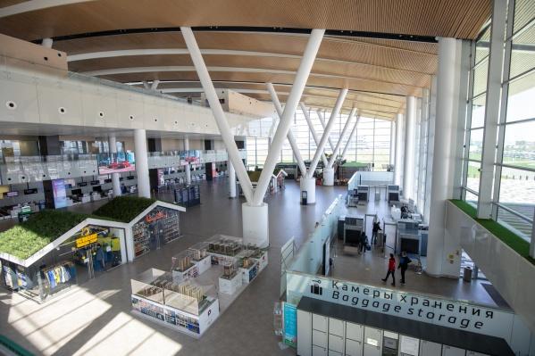 Эвакуации аэропорта стали регулярными в июле