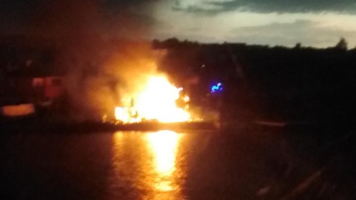 «Молния ударила прямо в крышу»: в Самарской области дотла сгорел частный дом
