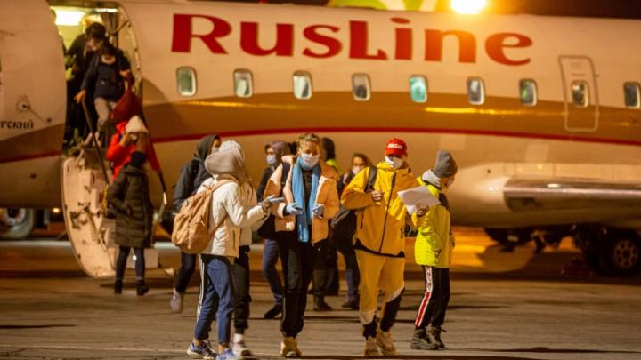Из Киргизии вернули 15 детей-спортсменов из Омска. Они застряли там из-за отменённых рейсов