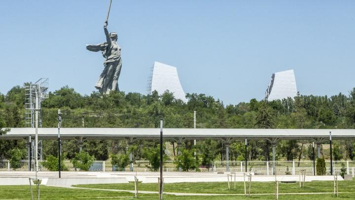 «Это не кладбище, это история нашей Победы!»: что известно о закрытом концерте на Мамаевом кургане Волгограда