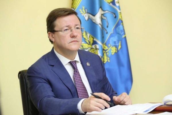 Ограничения, которые утвердил Дмитрий Азаров, распространяются на школьников 6–11-х классов и граждан старше 65 лет