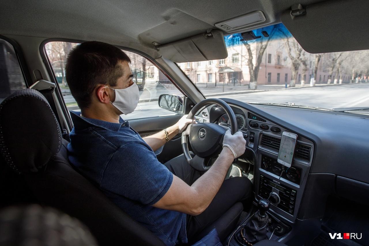 Салон машины таксистов