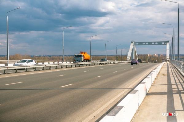 Первую очередь моста уже построили