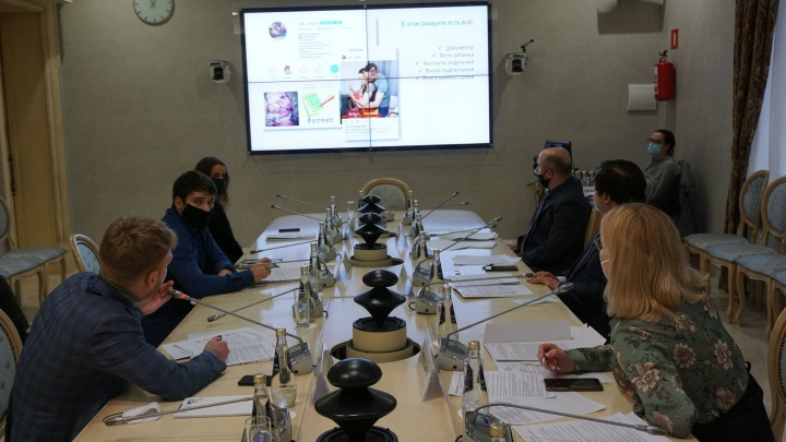 Уралец добился проведения слушаний по проблеме интернет-мошенничества в Общественной палате РФ