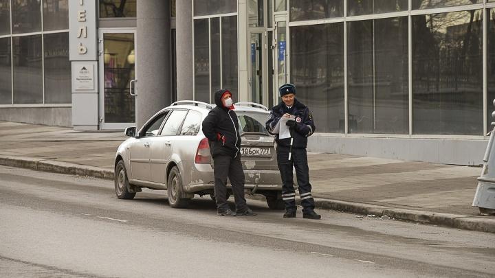 Продление карантина и штрафы: каких решений по коронавирусу ждет Екатеринбург на этой неделе