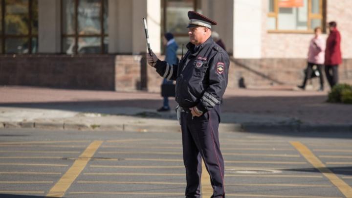 В Ростове на Театральном проспекте на месяц ограничат движение транспорта