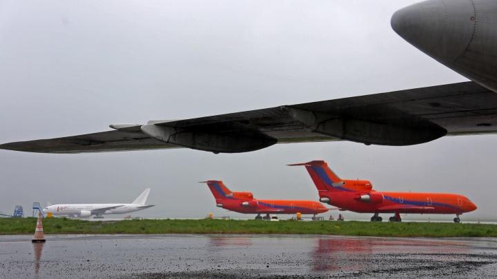 Уфимский самолет не смог приземлиться в аэропорту Санкт-Петербурга