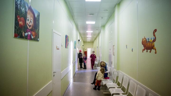 Два ребенка попали в реанимацию новосибирской больницы, где лечат детей с ковидом
