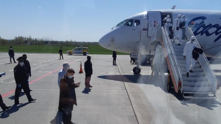 Более 50 вахтовиков, прилетевших из Якутии в Уфу, подхватили коронавирус