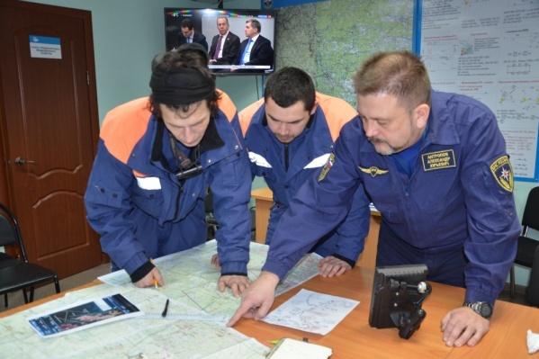Спасатели МЧС начали искать пропавшего в горах Сергея Алиева