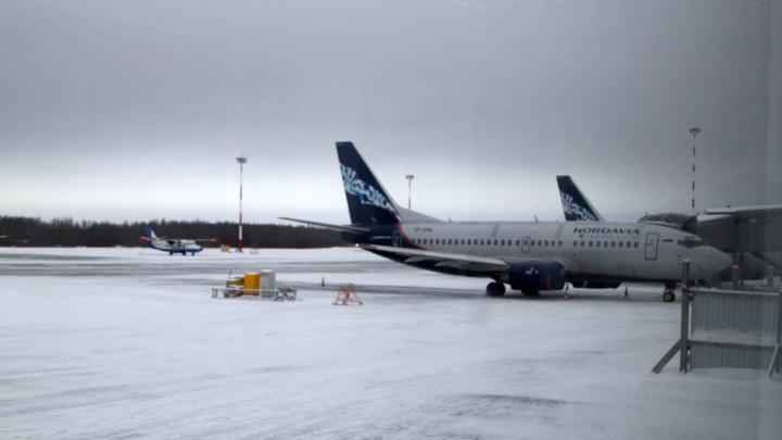 Телефонные злоумышленники снова «заминировали» самолет, летевший в Архангельск