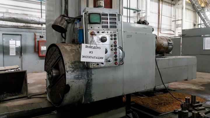 «Люди до последнего не верили, что есть шанс»: фоторепортаж из «мертвого» цеха завода буровой техники