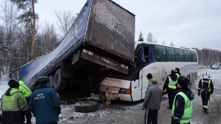 Виновницу массовой аварии с автобусом под Краснокамском приговорили к полутора годам колонии