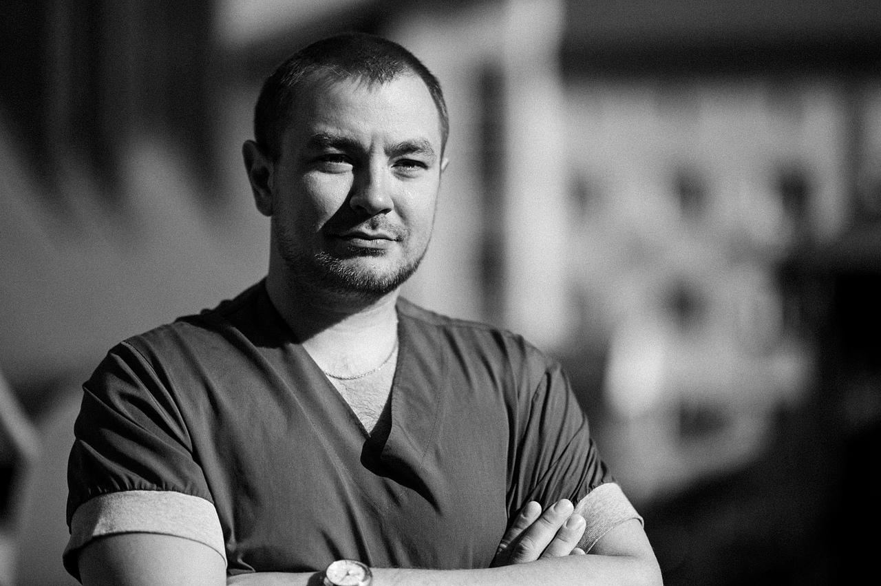 Врач травматолого-ортопедического отделения № 2 Константин Харитонов