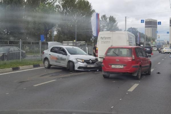 Дорожные инспекторы считают, что виновником ДТП стал водитель такси