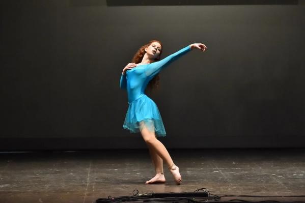 В конкурсе принимали участие танцоры из разных стран