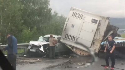 Смертельная авария на трассе М-5 с участием четырёх машин произошла из-за разрыва колеса большегруза DAF