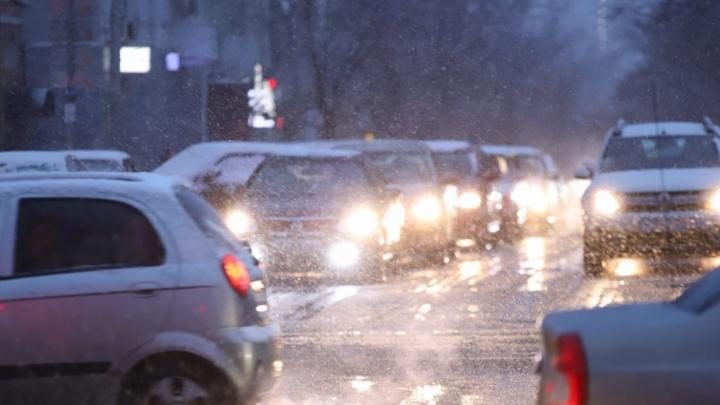 Многокилометровая пробка возникла на трассе М-4 по направлению к Ростову