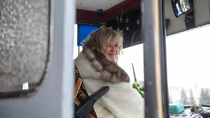 Все-таки миллионерша: организаторы лотереи заявили, что еще летом выплатили полмиллиарда водителю трамвая