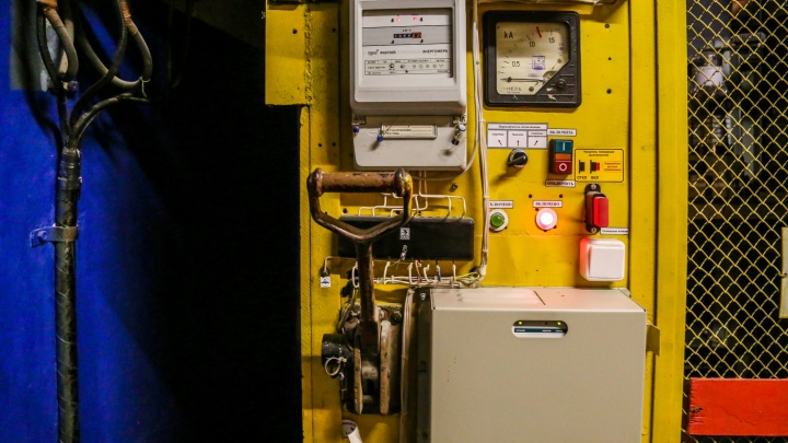 Сотни домов в Ворошиловском районе Волгограда оставят без электричества: полный список отключений