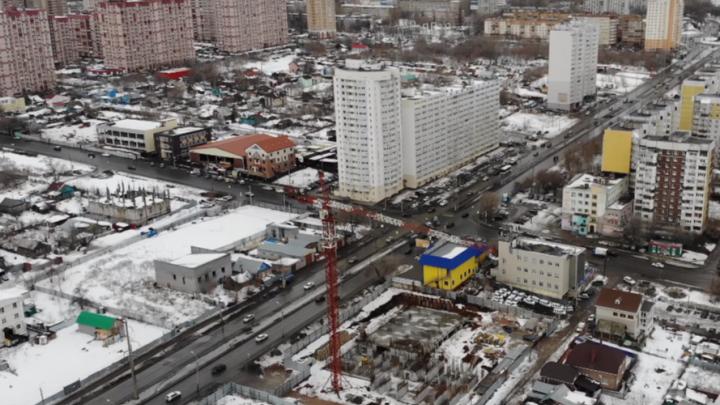 У парка Дружбы начали строить 25-этажный дом: видео