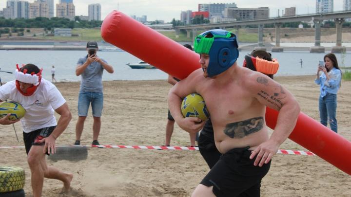 Не для блогеров и звёзд: волгоградцы устроили беспощадный замес на пляже