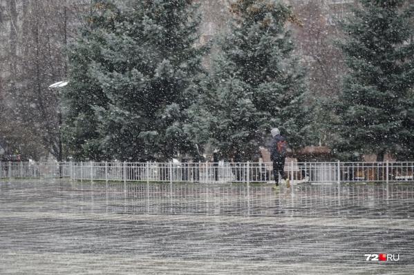 Снег усиливается с каждым часом