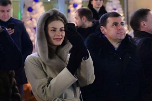 Губернатор с женой на Советской площади