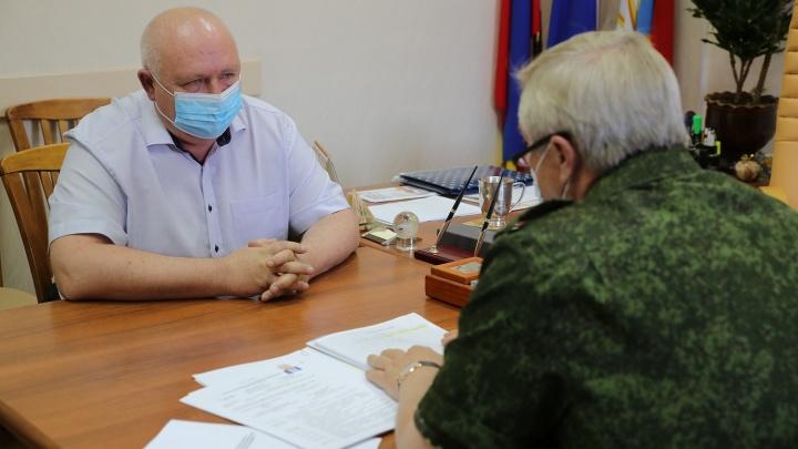 Глава администрации Каменска-Шахтинского уволился в день приезда Голубева