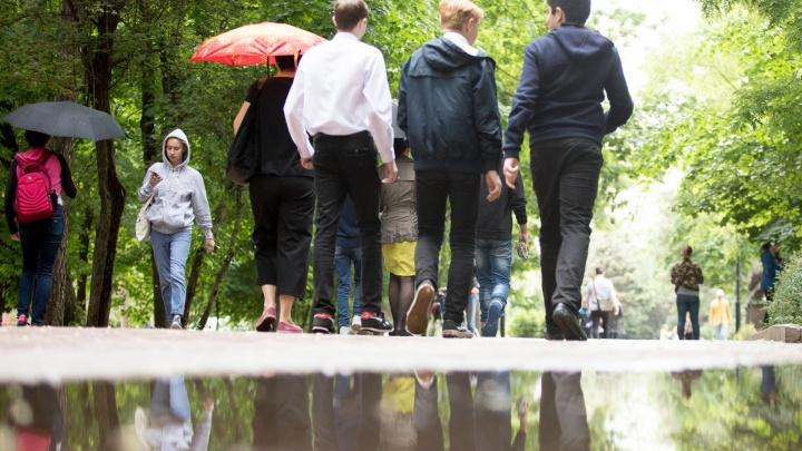 В Ростовской области объявили штормовое предупреждение. В регион идут ливни и сильнейший ветер