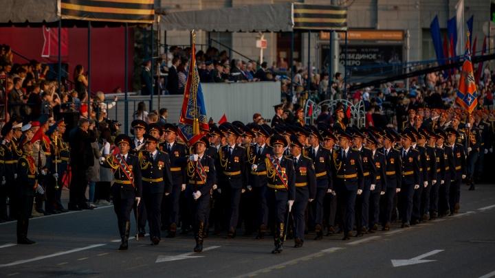 Где в Новосибирске перекроют движение во время парада Победы и репетиции — публикуем карту