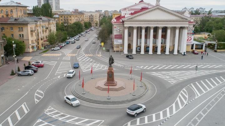 Велосипедисты будут уступать: соавтор скандальной разметки на площади Павших Борцов объяснил нововведения