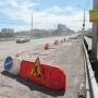 Отбойный молоток, «болгарка» и лопаты: смотрим, как ремонтируют Астраханский мост